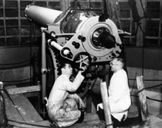Workers from the Zeiss factory installing the telescope