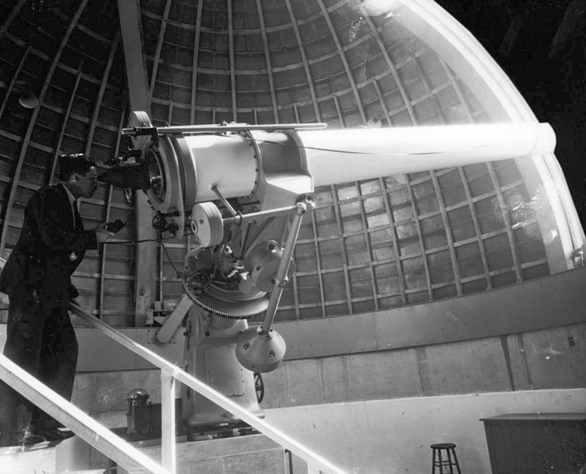 Completed telescope in 1935